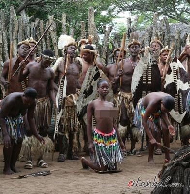 Bekaret-diplomasndan-sonra-kutlama--afrika-zulular-zulu-kabiles-bekaret-cinsel-iliski-4