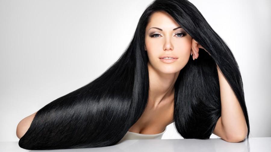 mujer-con-cabello-largo-y-negro