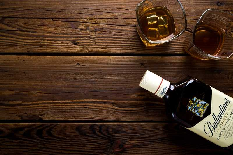 whisky sobre madera madrid