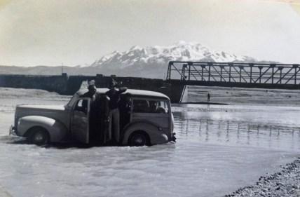 Cruzando rio Keka rumo a Sorata