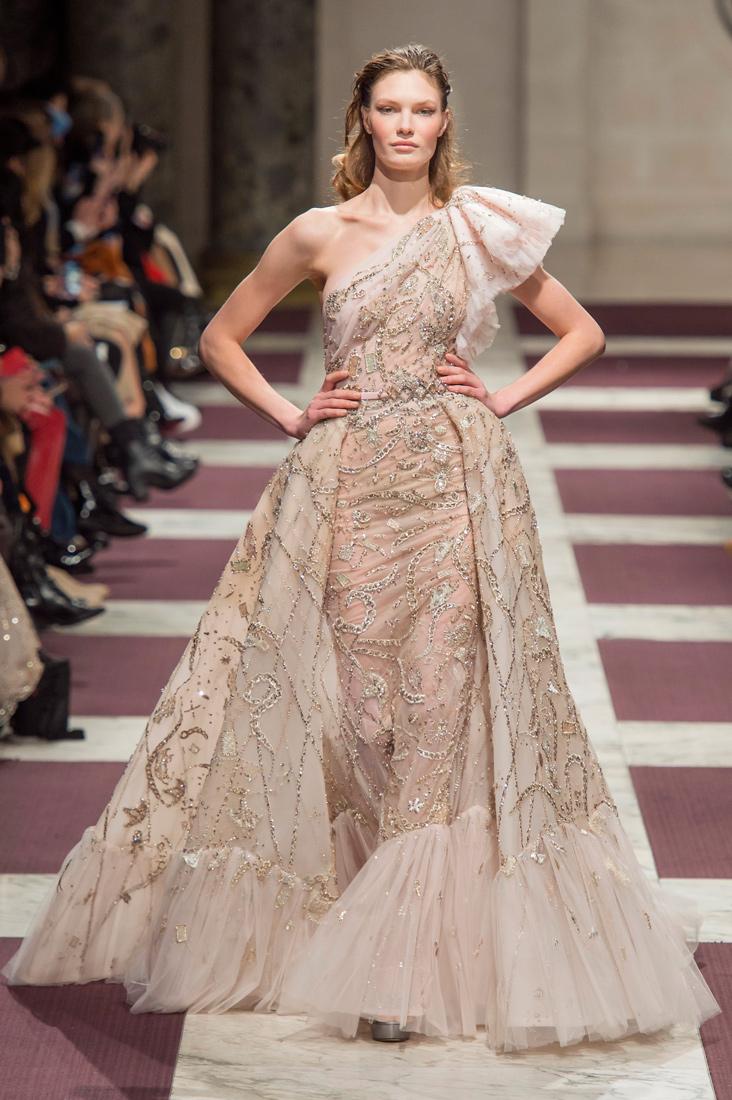 Estela-Fashion-PFW-Ziad-Nakad-AW19-40