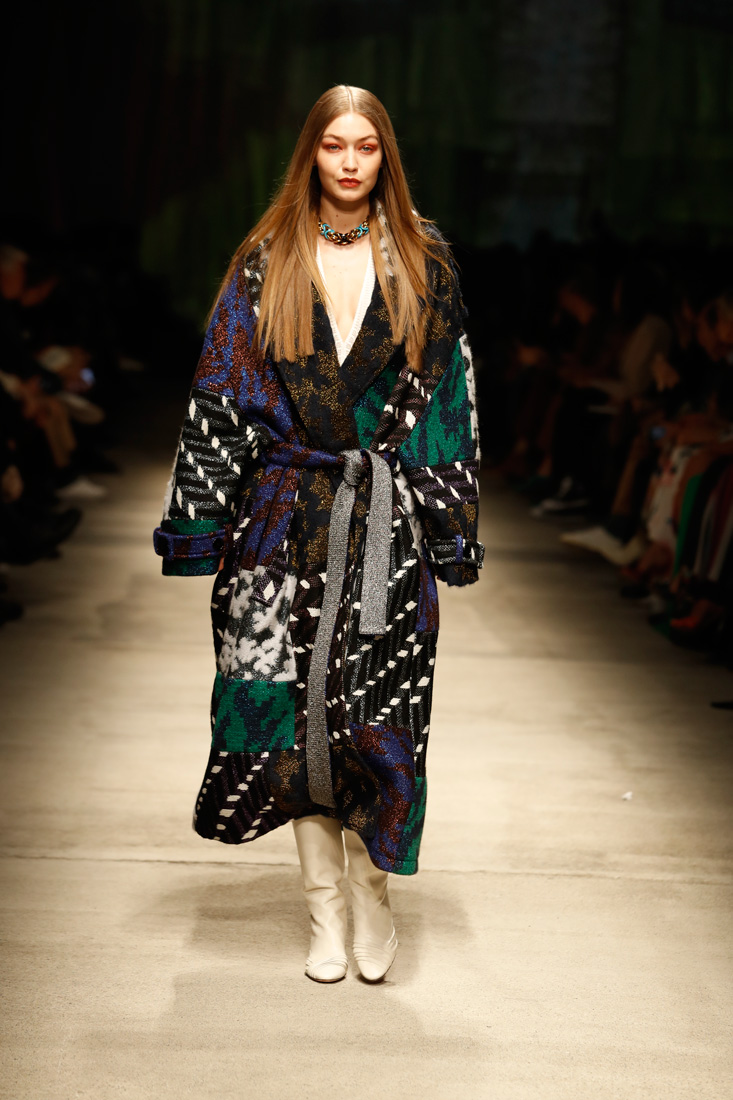 Gigi Hadid walks for Missoni at Milan Fashion Week