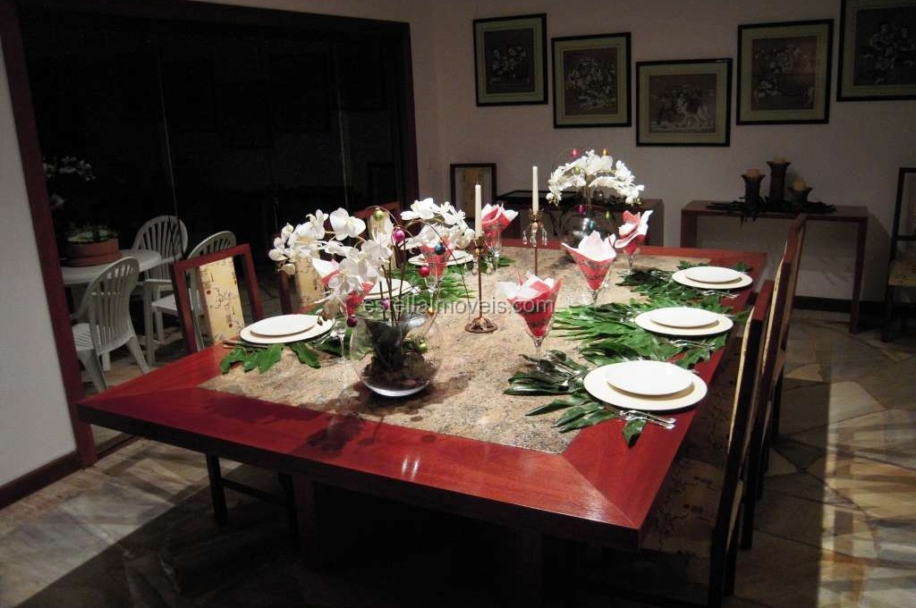 Dining 3 (2017_05_04 00_42_00 UTC)