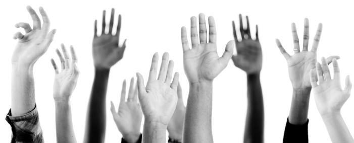 Solicita testimonios o reseñas: si se consiguen que clientes actuales den su opinión sobre los productos o servicios de la organización, se consiguen prescriptores que avalarán tu marca ante el mercado y eso siempre es muy positivo.