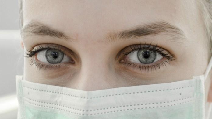 Las marcas profesionales se vuelcan en la lucha contra el coronavirus