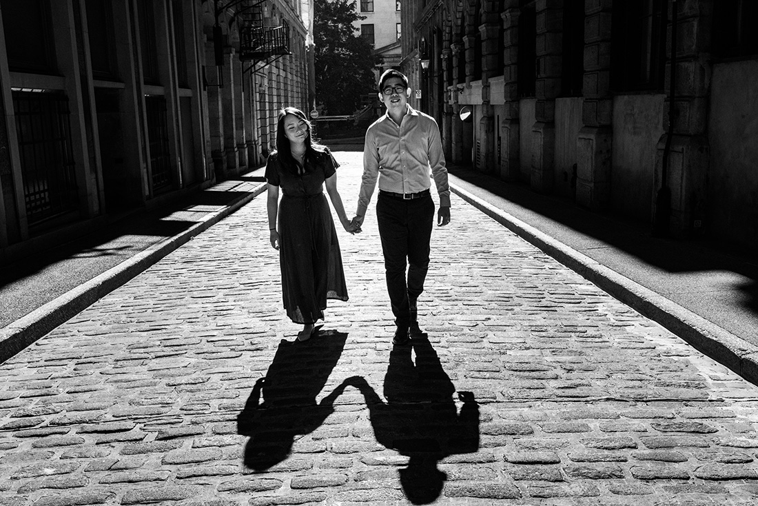 Black and white photoshoot in Old Montreal
