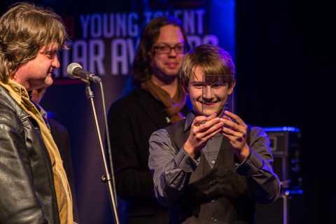 dylan-prentner-wint-gitaarschool-nederland-talent-award