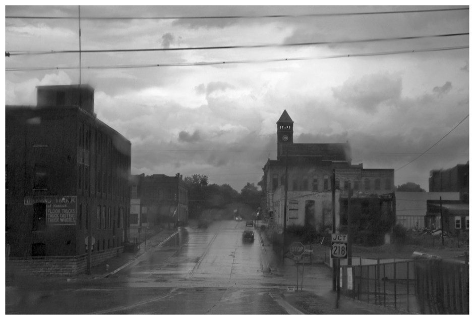 Raining_in_Keokuk_Iowa_2016_©_Michael_Gaylord_James