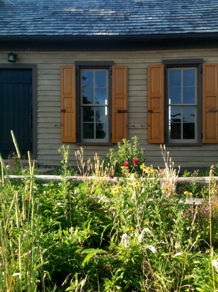 Photograph of Author William Jefferson's writing cottage. www.estillyen.com