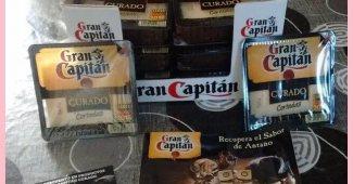 Probando el queso curado Gran Capitán