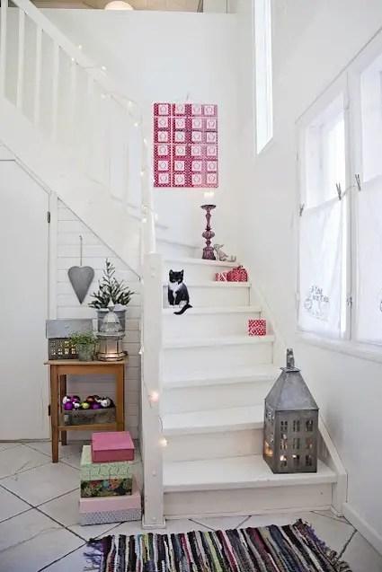 Ideas rpidas para decorar las escaleras en Navidad