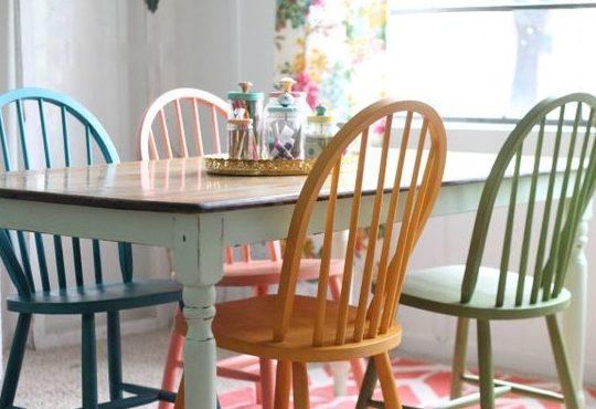 Sillas de colores para un comedor con estilo | Estilo y