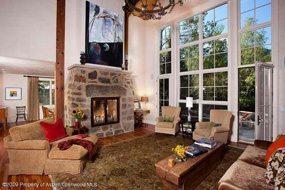 Aspen real estate 122716 112425 936 King Street 3 190H