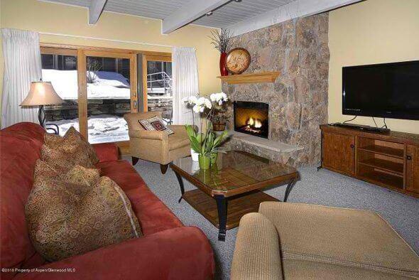 Aspen real estate 100216 143712 690 Carriage Way B 2G 1 590W