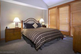 Aspen real estate 100916 142718 110 Carriage Way 3404 4 190H