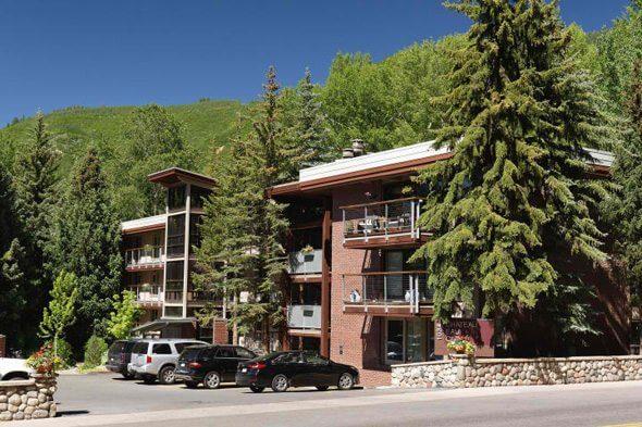 Aspen real estate 101616 142060 1034 E Cooper Avenue 27 A 1 590W
