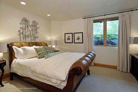 Aspen real estate 012217 144358 1011 E Hopkins Street 4 190H