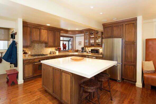 Aspen real estate 052817 147352 100 N 8TH Street 33 2 590W