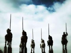 cavaleiro-conjunto-nuvens