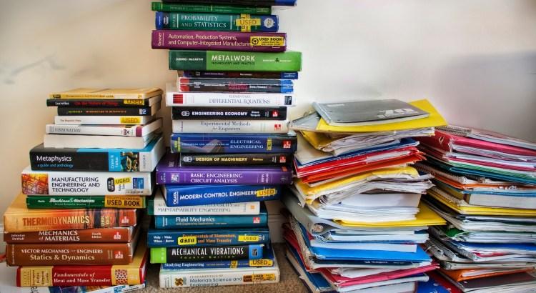 livros-semestre-sebenta-universidade