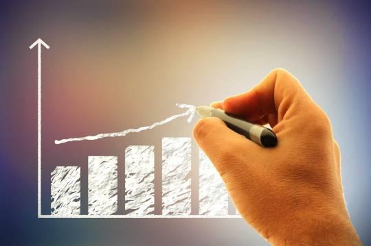 stockvault-businessman-drawing-a-financial-graph176227