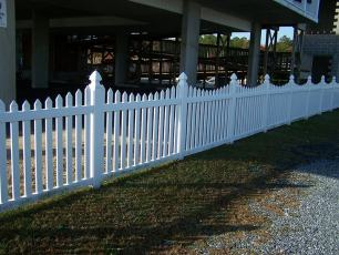 Irvington Dip Vinyl Picket Fence