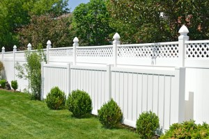 The Top Reasons to Install a Vinyl Fence This Spring