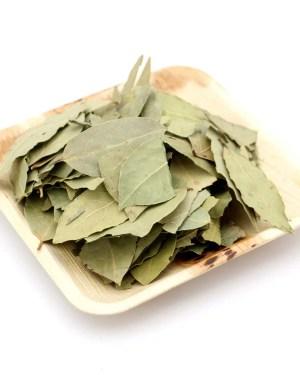feuilles de laurier etal des epices