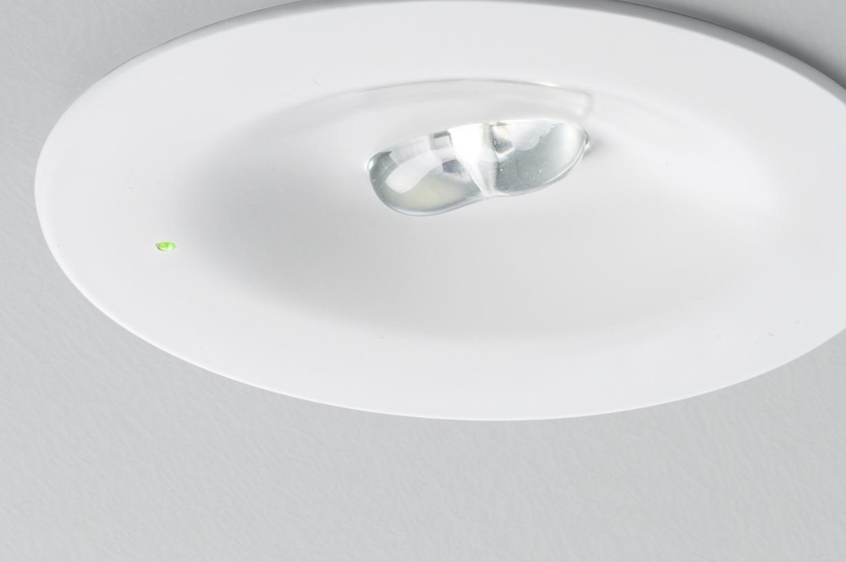 hight resolution of emergency lighting luminaire etap round