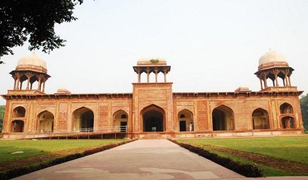 Things To Do In Agra-Tomb of Mariam-uz-Zamani