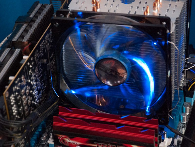 Prolimatech_Vortex_14_blue_led (8)