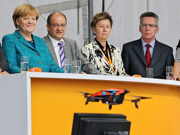 Merkel on campaign trail in Dresden