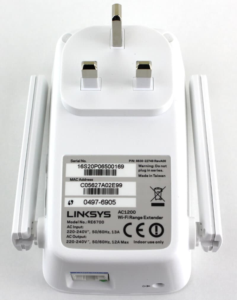 Linksys_RE6700-Photo-rear
