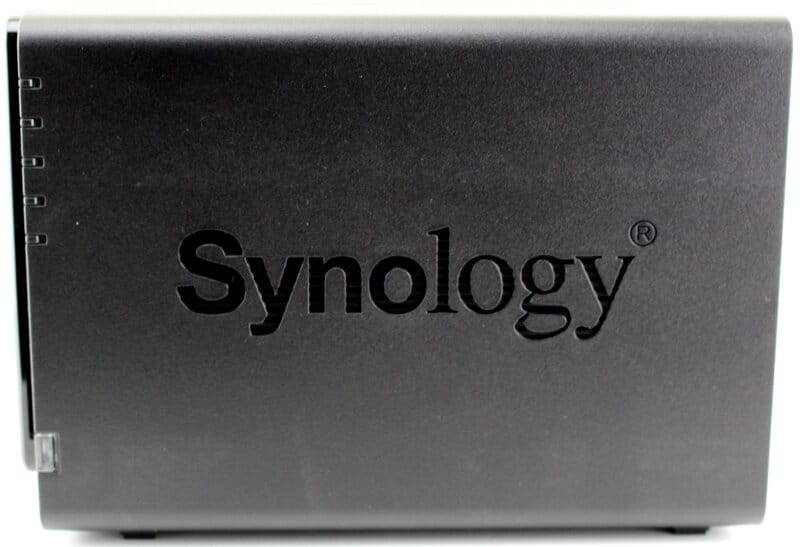 Synology_DS416-Photo-side