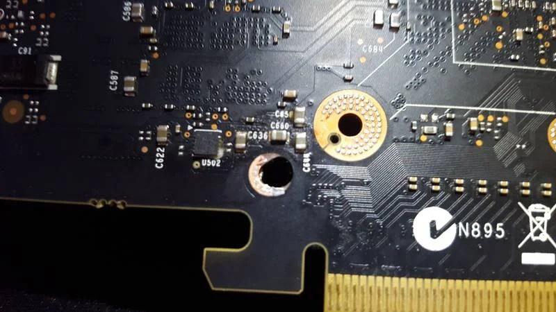 Idiot breaks GTX980Ti card (4)