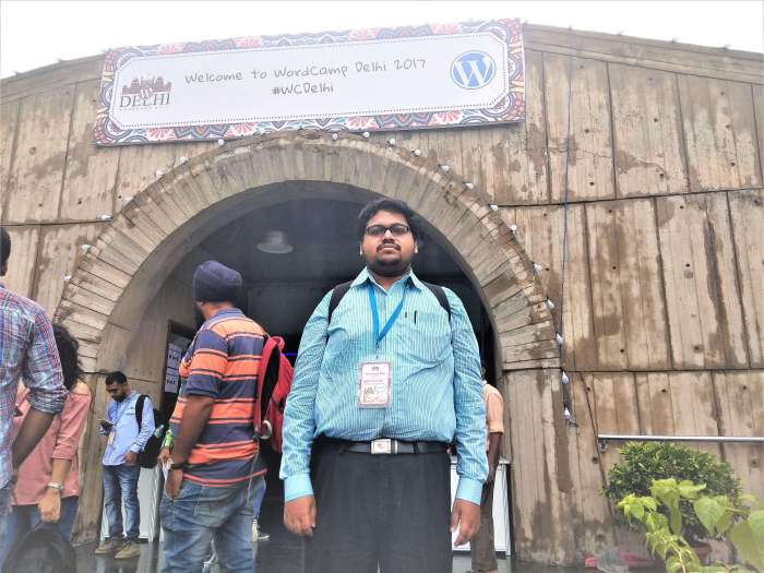 Subhabrata Kasyapi in Front of WordCamp Delhi 2017 Gate