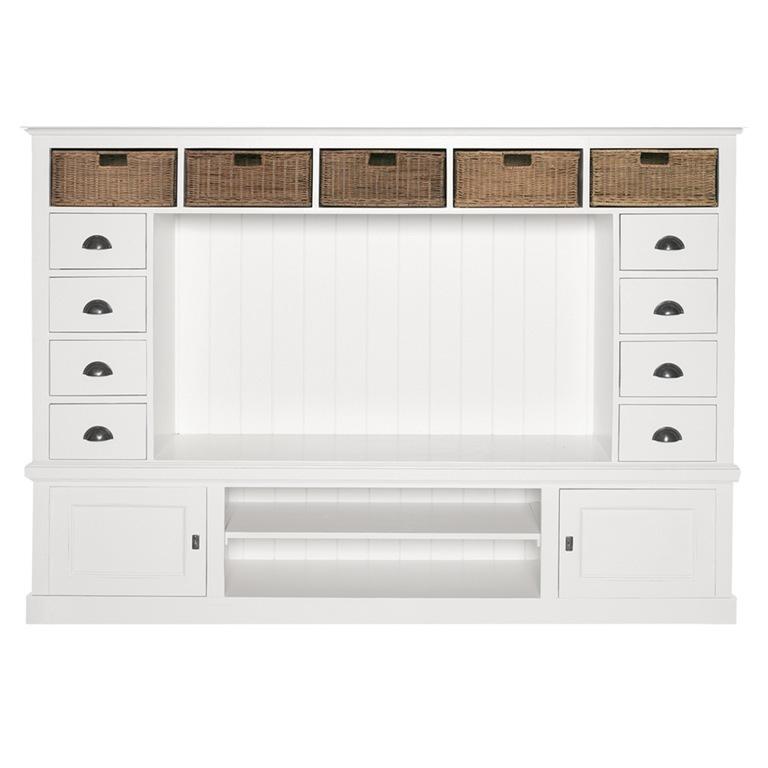 I mobili, in legno, chiarissimi o bianchi saranno abbinati a un. Parete Soggiorno Provenzale Arredamenti Provenzali Shabby Chic