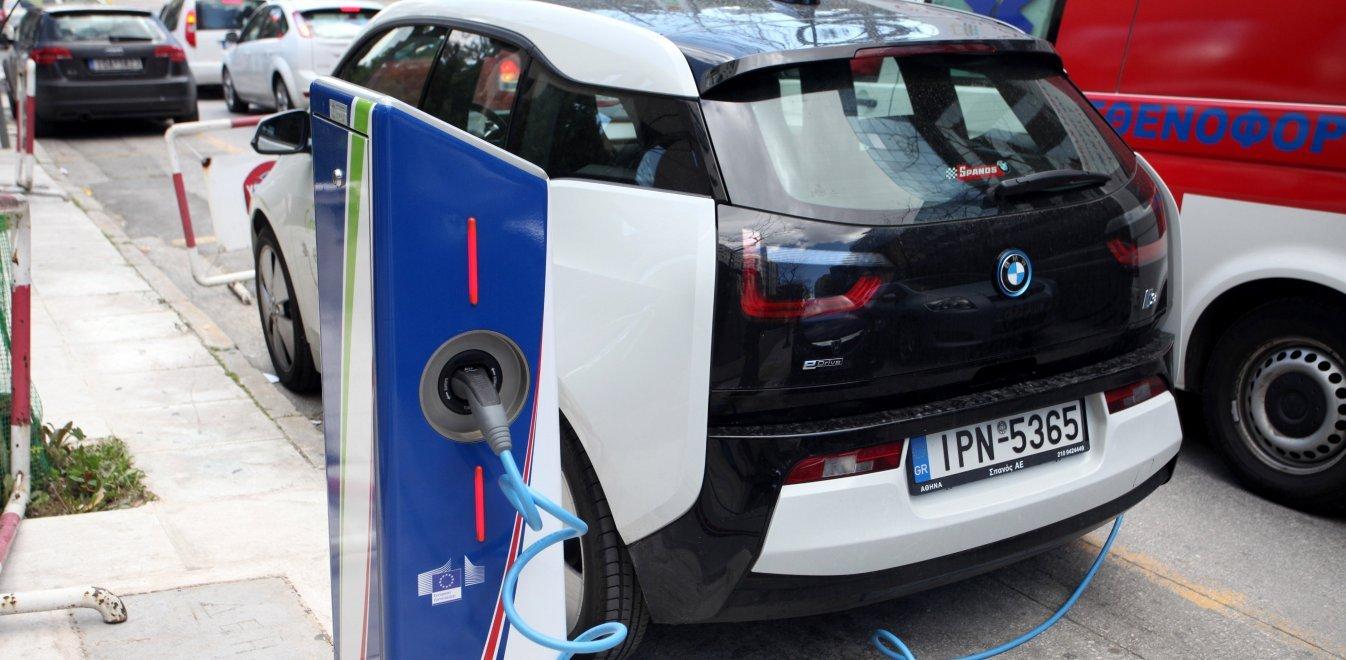 Ποιος είναι ο στόχος στην Ελλάδα για τα ηλεκτρικά αυτοκίνητα το 2030