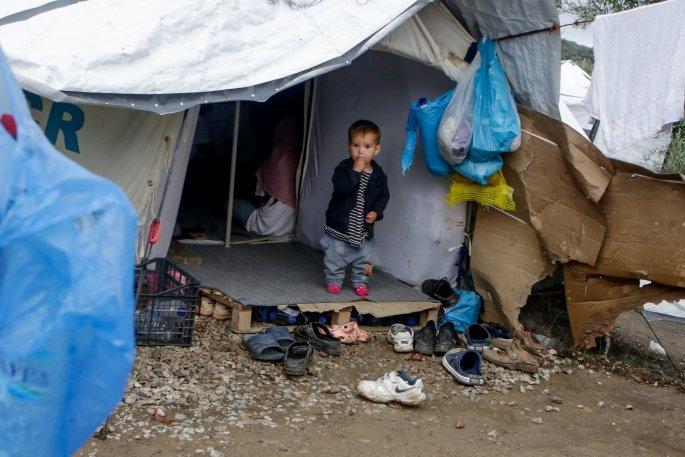 Προσφυγόπουλο στη Λέσβο