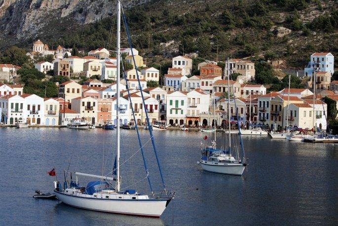 Περιμένοντας τους Τούρκους τουρίστες οι Καστελοριζιοί