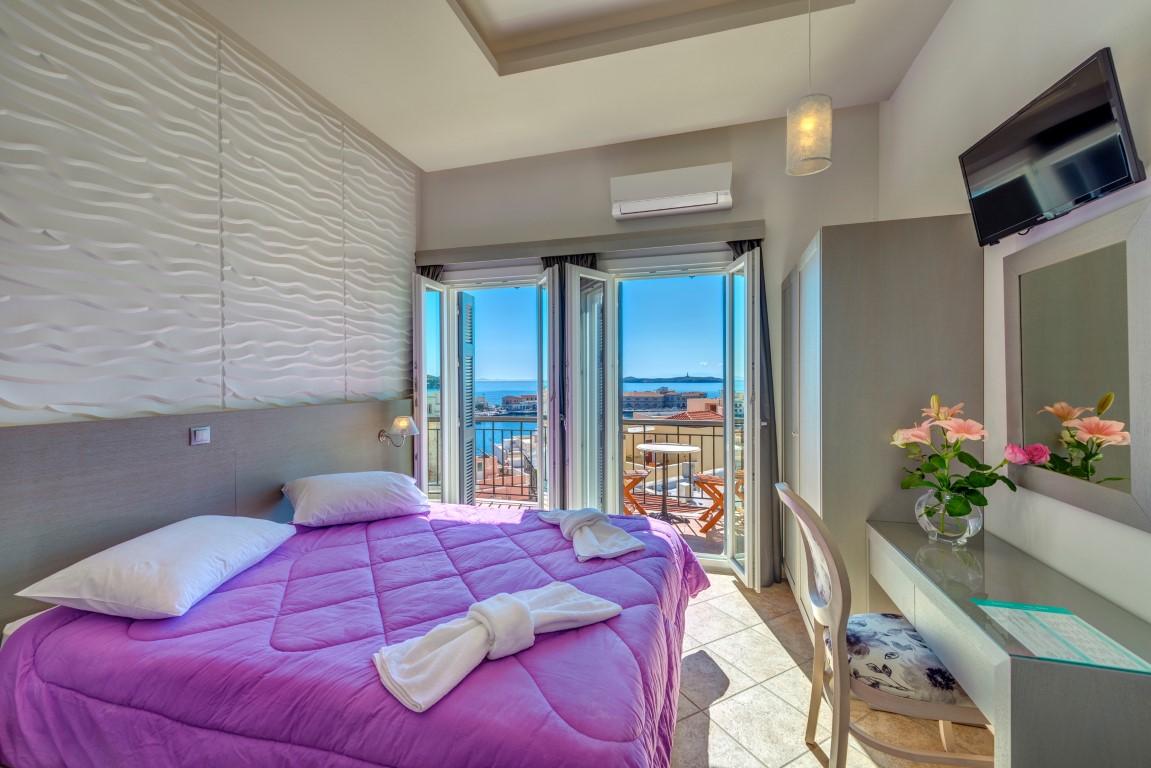 Σουίτα με θέα θάλασσα και μπαλκόνι