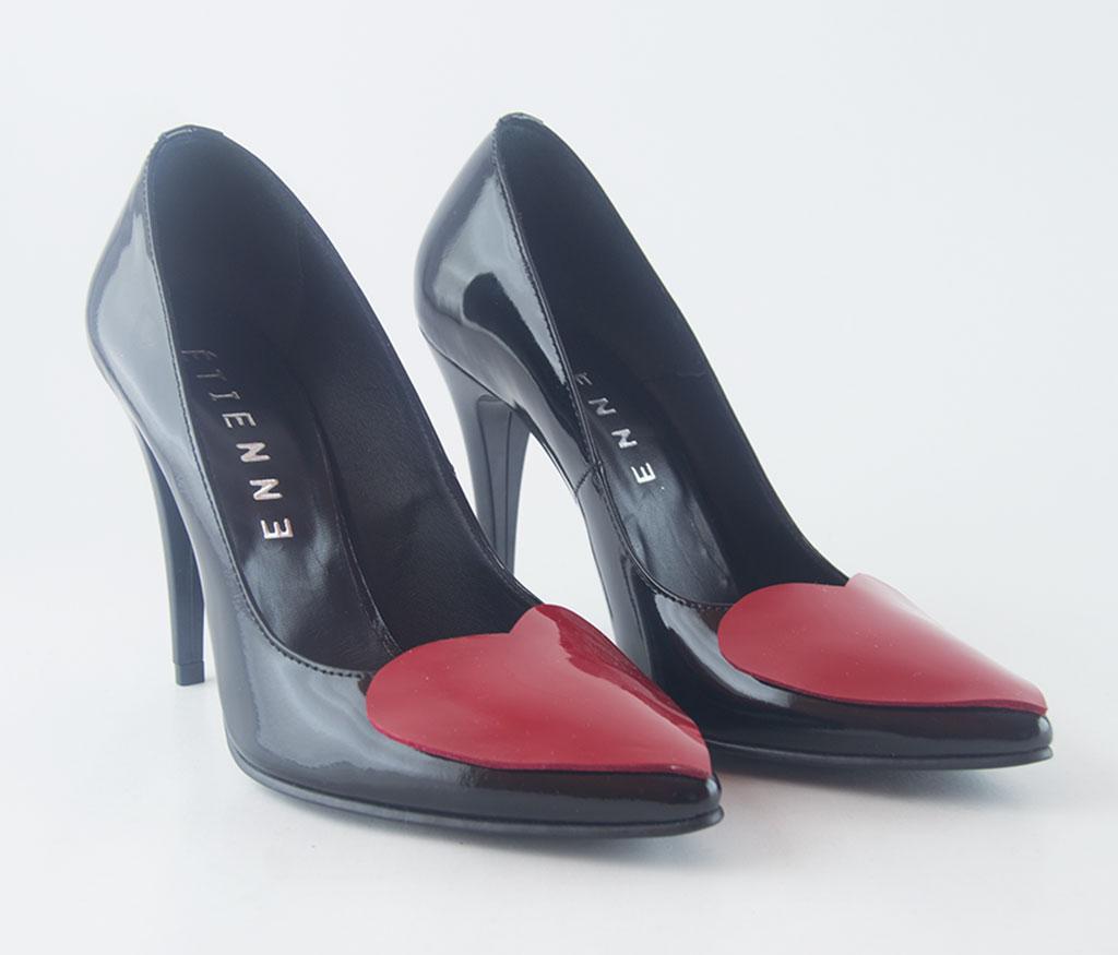 pantofi stiletto cu inimioara