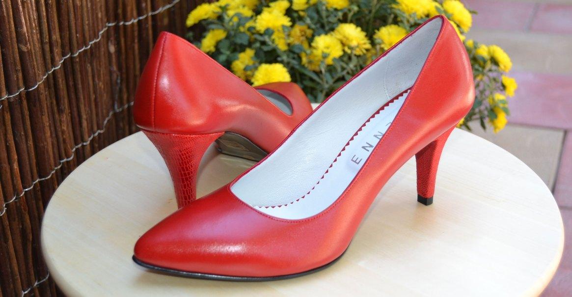 pantofi stiletto rosii cu toc mic