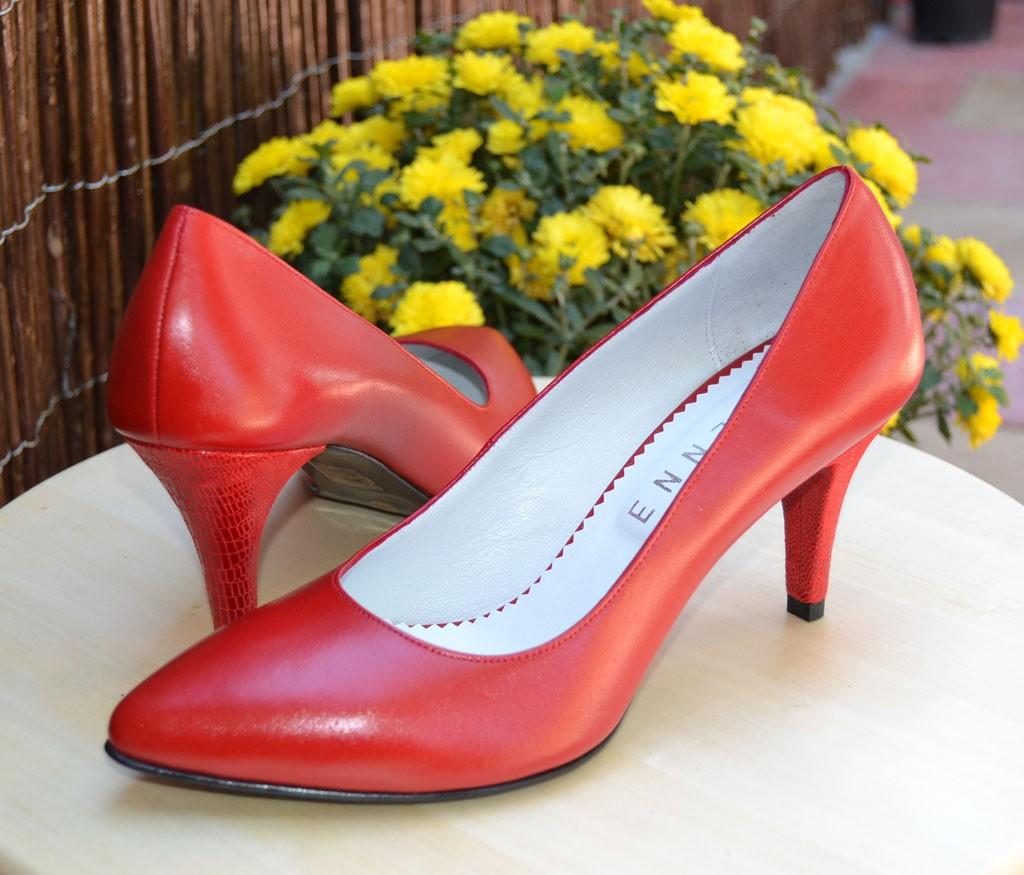 pantofi-cu-toc-mic-rosii-5