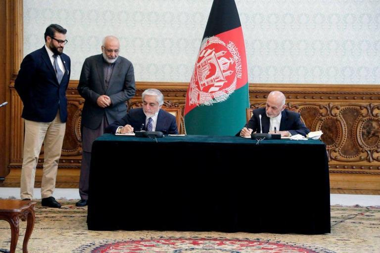 امضای توافقنامهی سیاسی غنی و عبدالله