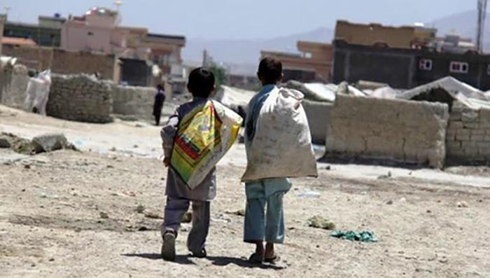کودکان کار در مسیر اعتیاد