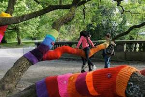 yarn bombing jardin botanique