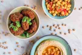 Den allsidige kikerten: Historie, tilberedningstips og oppskrifter / Et kjøkken i Istanbul