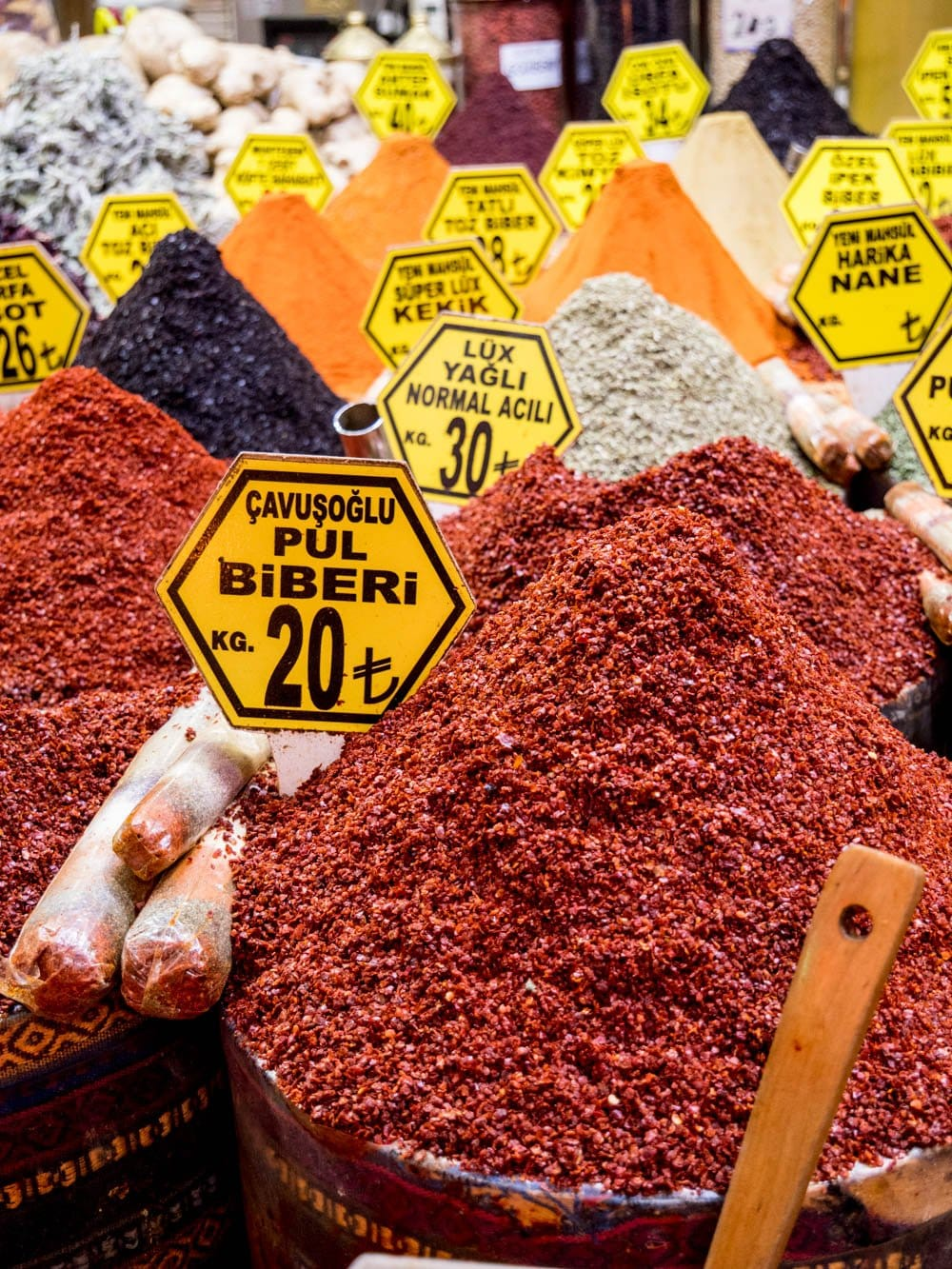Turkish chili flakes (pul biber) from the Istanbul spice market (Misir carsisi) / A kitchen in Istanbul