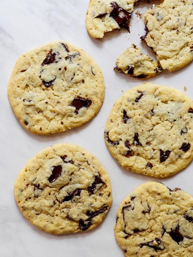 Tahinikjeks med sjokolade (Tahini chocolate chip cookies)